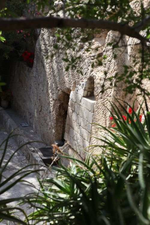 Garden tomb. Copyright IRI, Inc. Courtesy Gospel Media, https://www.churchofjesuschrist.org/media