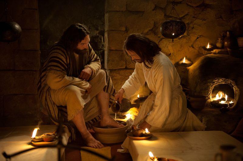 Jesus washing Peter's feet, Last Supper. Copyright IRI, Inc. Courtesy Gospel Media, https://www.churchofjesuschrist.org/media